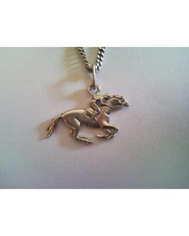 pendentif cheval de course